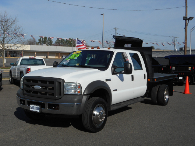 2005 Ford F-450 Flatbed Truck