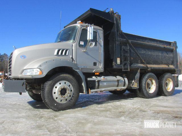 2010 Mack Granite Dump Truck