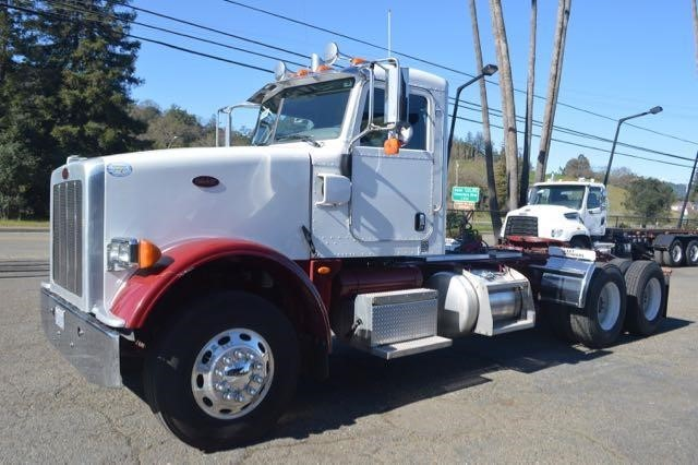 2009 Peterbilt 367  Conventional - Day Cab
