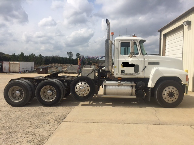1998 Mack Ch613  Tractor