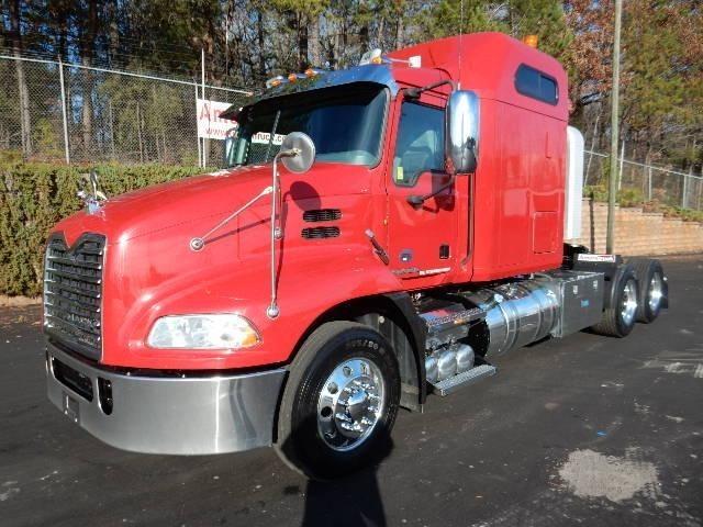 2012 Mack Pinnacle Cxu613 Conventional - Sleeper Truck