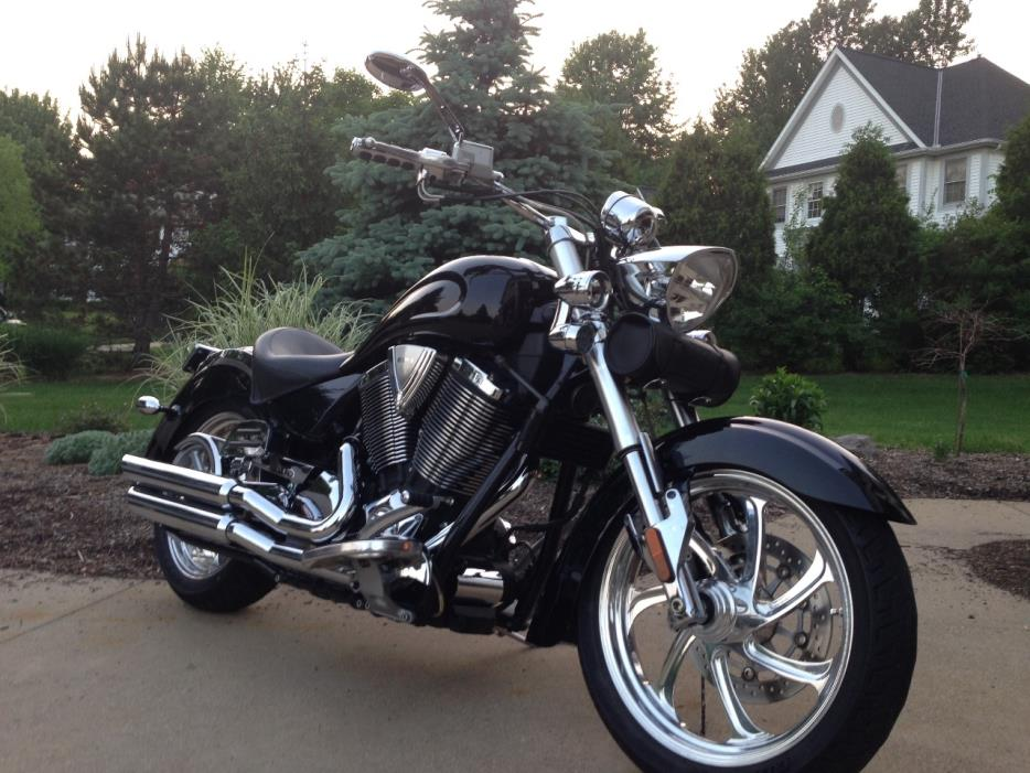 Victory Kingpin Deluxe Motorcycles For Sale