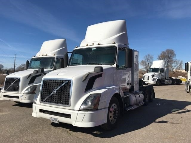 2014 Volvo Vnl64t300  Conventional - Day Cab
