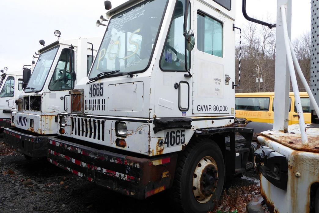 2001 Ottawa Yt50 Salvage Truck
