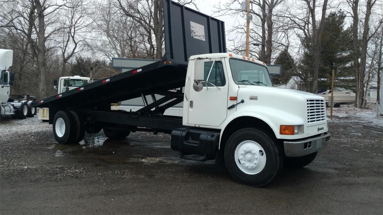 1999 International 4900 Flatbed Dump