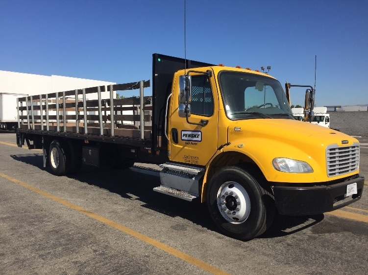 2013 Freightliner Business Class M2 106  Flatbed Truck