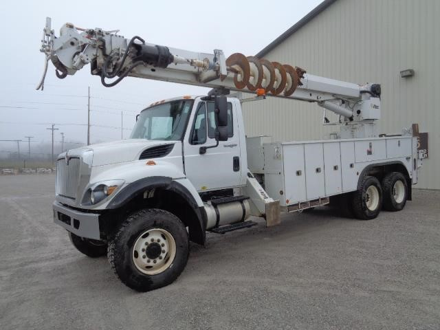 2012 International 7400  Digger Derrick
