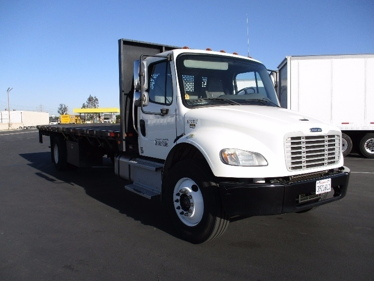 2014 Freightliner Business Class M2 106 Flatbed Truck