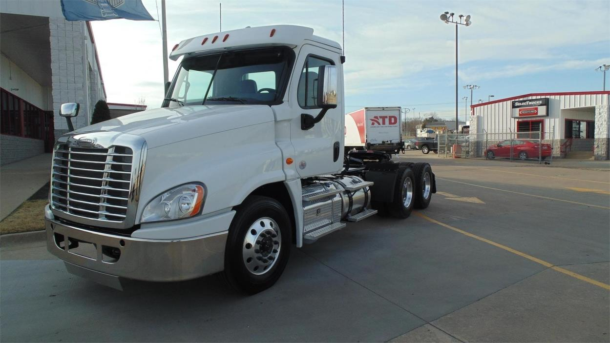 2018 Freightliner Cascadia Conventional - Day Cab