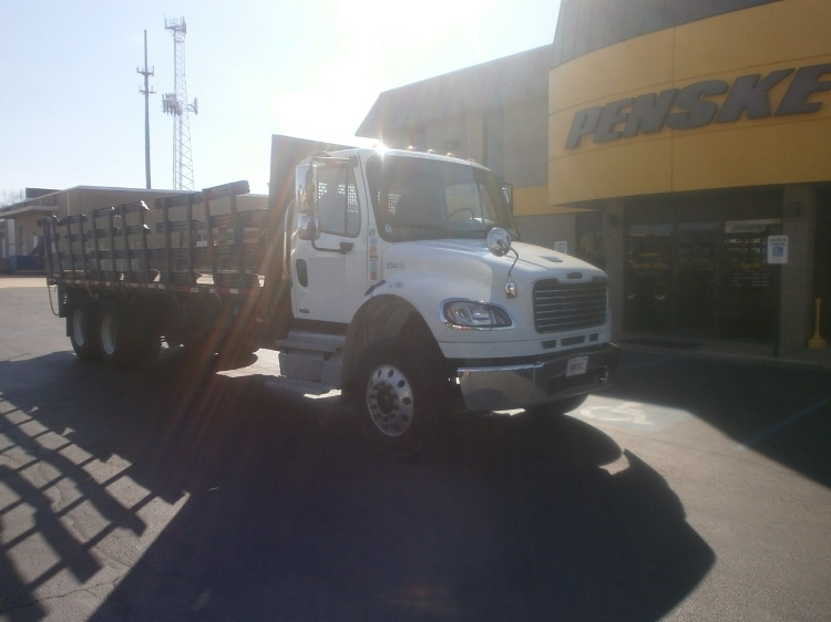 2011 Freightliner Business Class M2 106 Flatbed Truck