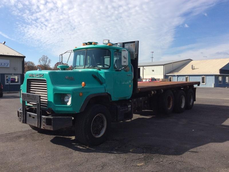 1994 Mack Dm690s Flatbed Truck