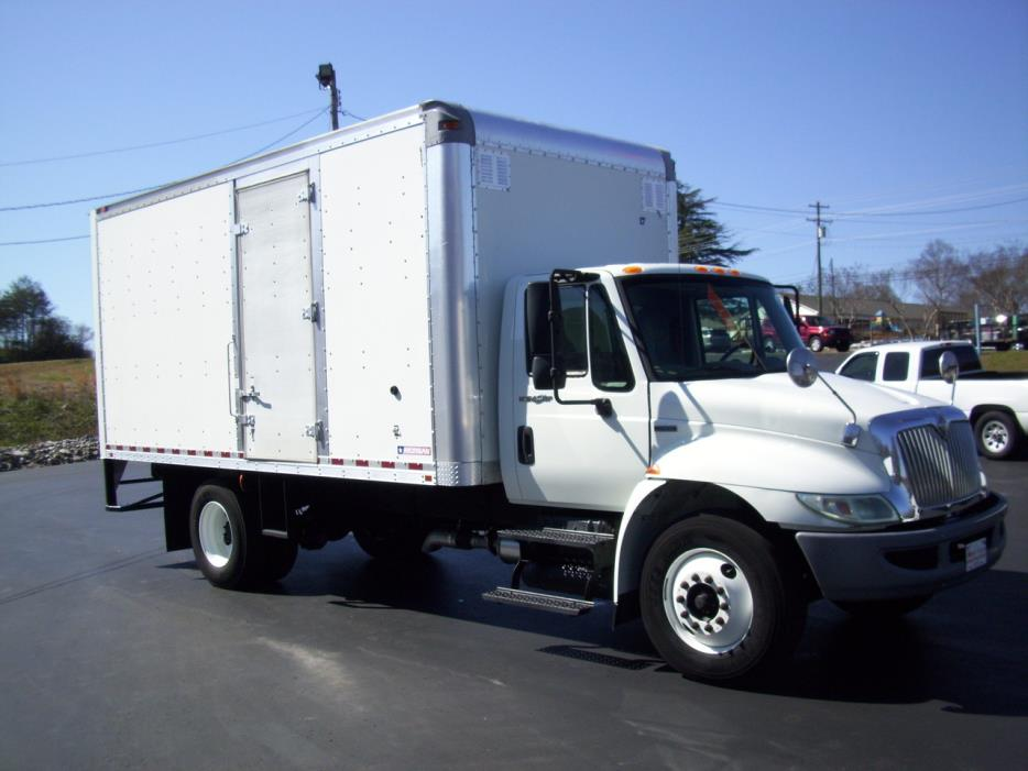 2009 International Durastar 4300  Box Truck - Straight Truck