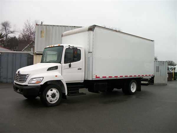 2007 Hino Hino 268  Box Truck - Straight Truck