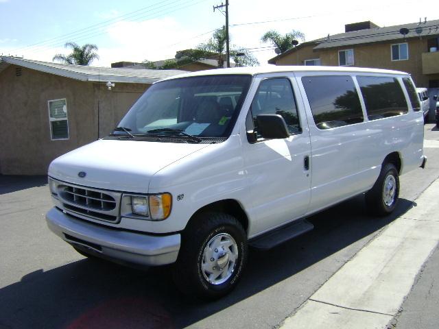 2001 Ford E-Series Cargo Van