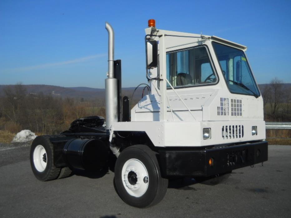 2004 Ottawa Yt30  Yard Spotter Truck