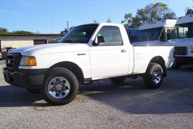 2005 Ford Ranger  Flatbed Truck