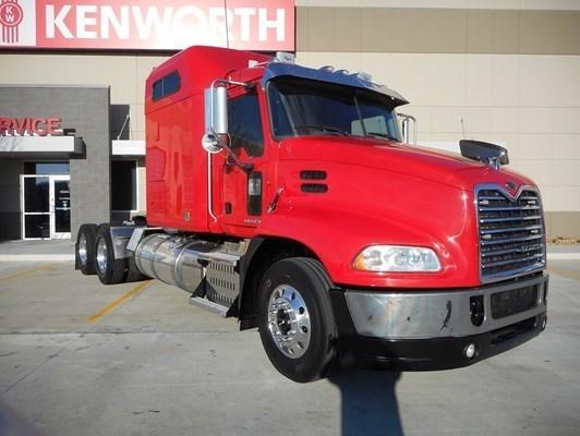 2013 Mack Pinnacle Conventional - Sleeper Truck