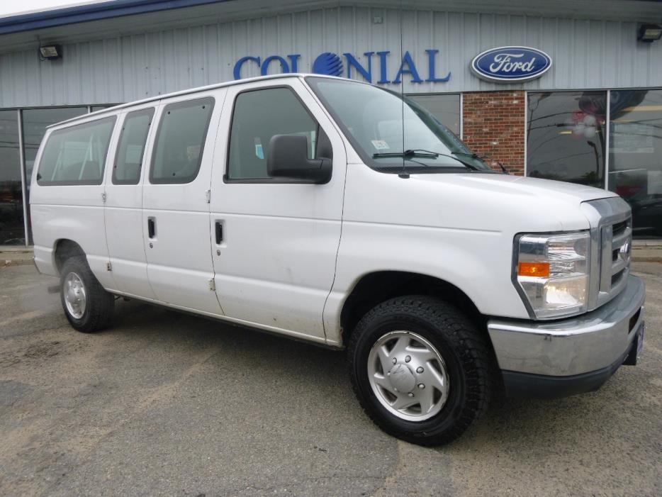 2010 Ford E-350 Super Duty Passenger Van