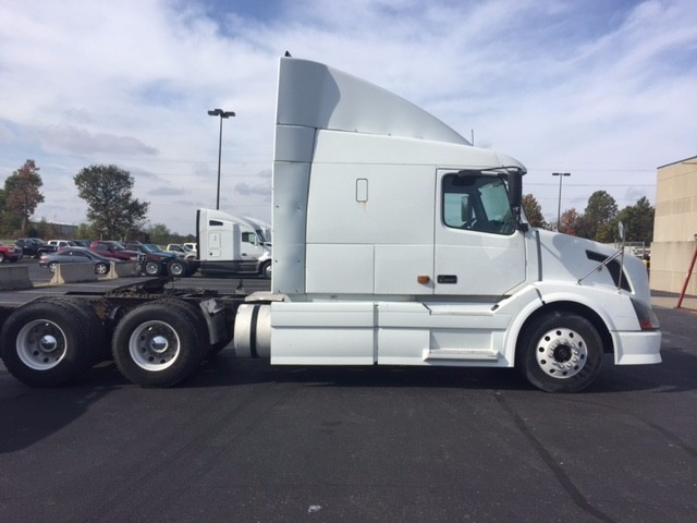2007 Volvo Vnl64t630 Conventional - Sleeper Truck