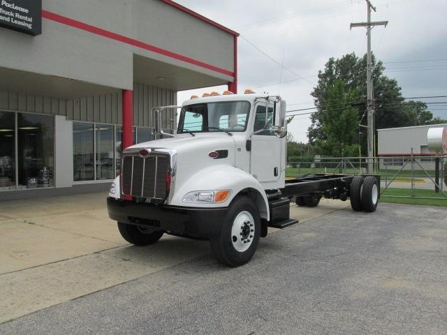 2017 Peterbilt 337  Box Truck - Straight Truck