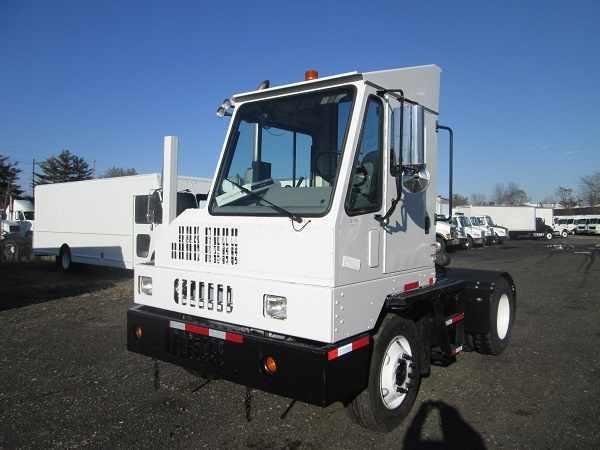 2011 Ottawa C30  Yard Spotter Truck