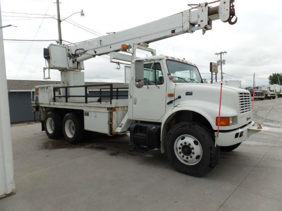 2003 International 4900 Crane Truck