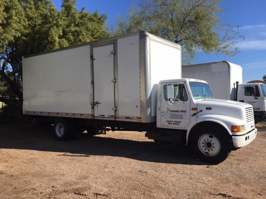 1998 International 4900  Box Truck - Straight Truck