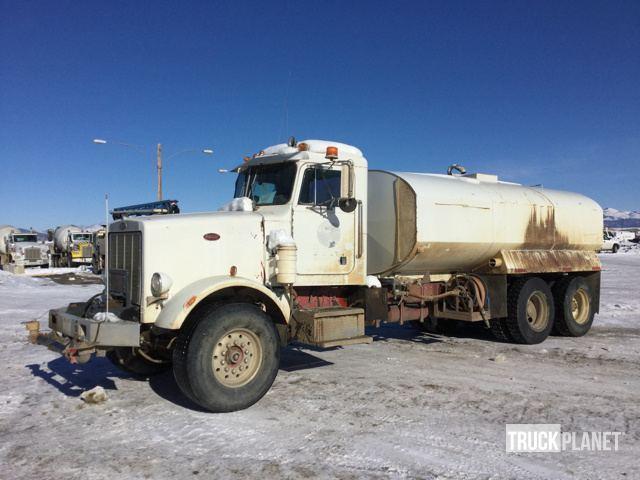 1984 Peterbilt 349  Water Truck