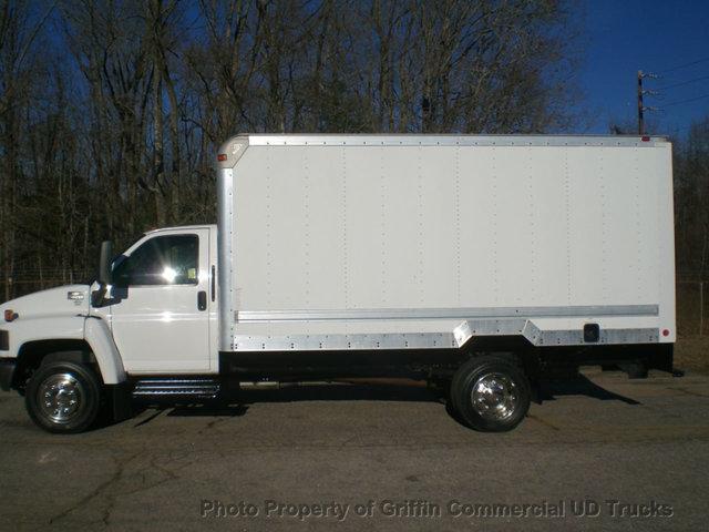 2005 Chevrolet C4500 Box Truck - Straight Truck