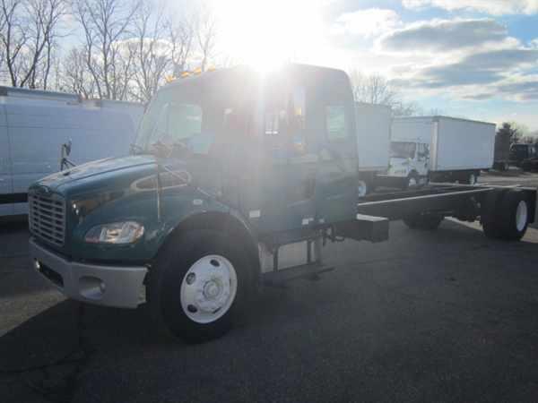 2007 Freightliner M2 106 Box Truck - Straight Truck