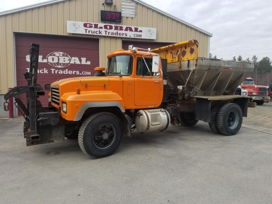 1996 Mack Rd690p  Plow Truck - Spreader Truck
