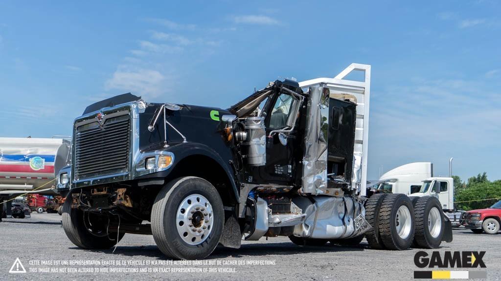 2015 International Eagle 9900i Conventional - Sleeper Truck