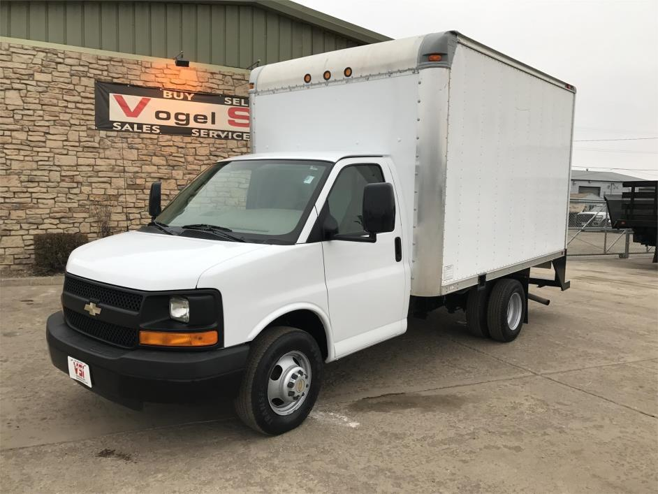 2009 Chevrolet G3500 Box Truck - Straight Truck