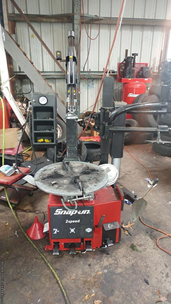 Snap-On Tire Changer MH320
