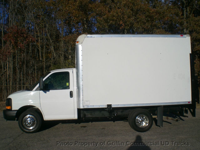 2008 Chevrolet 3500 Drw 21k Miles Cube Van Lift Gate One Owner
