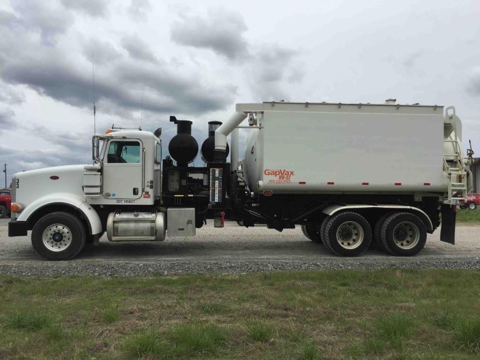 2010 Peterbilt 367  Vacuum Truck