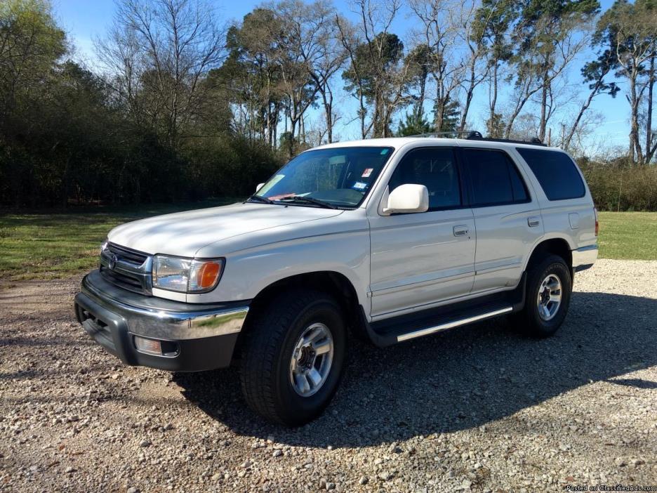 2001 Toyota 4Runner SR5 2WD V6 SUV in White * Warranty * AutoCheck - $5988