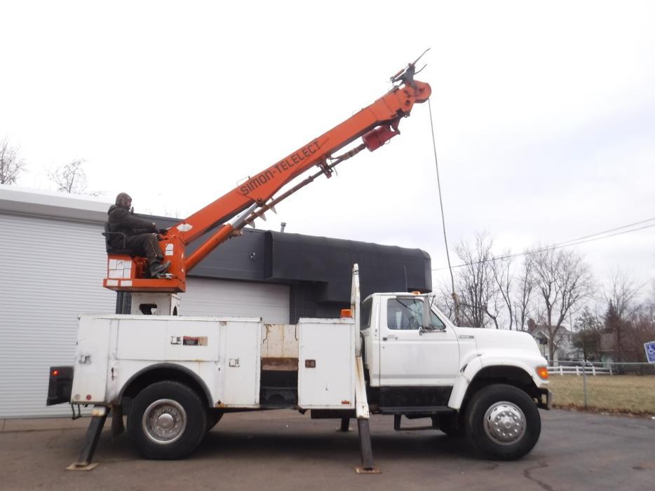 1998 International 4700  Crane Truck