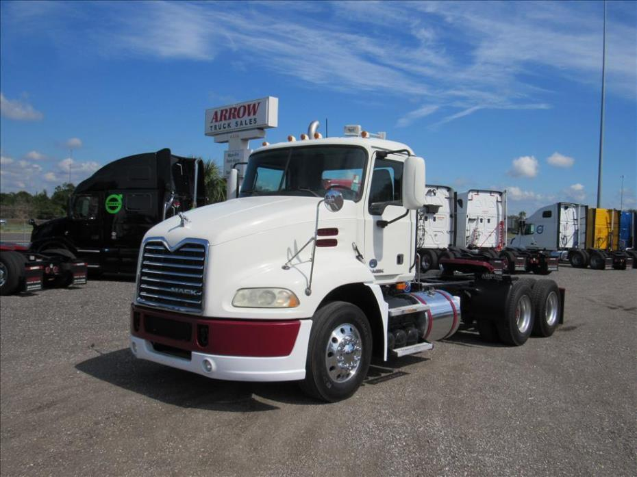 2009 Mack Cxu613 Conventional - Day Cab