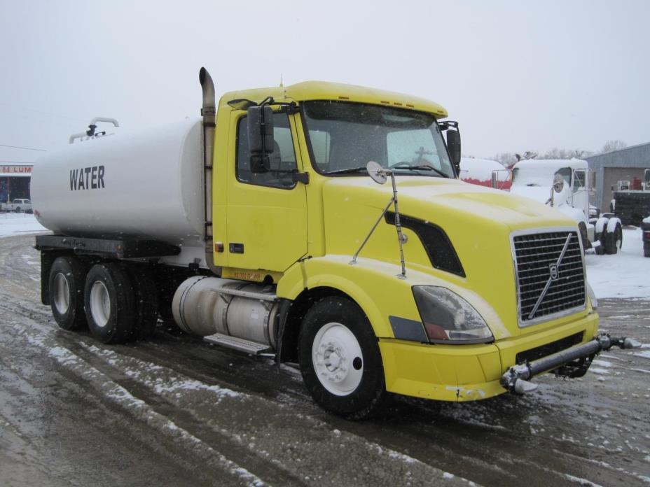 2006 Volvo Vnl64t300  Water Truck