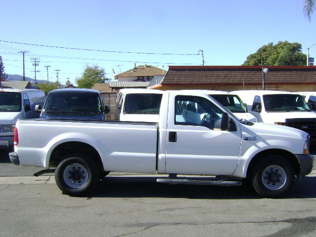 2004 Ford F250  Contractor Truck