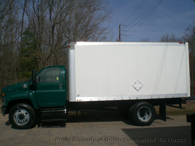 2006 Chevrolet C7500  Box Truck - Straight Truck