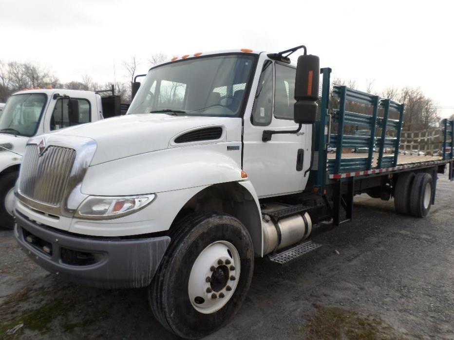 2012 International 4400 Flatbed Truck