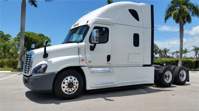 2016 Freightliner Cascadia  Cabover Truck - Sleeper