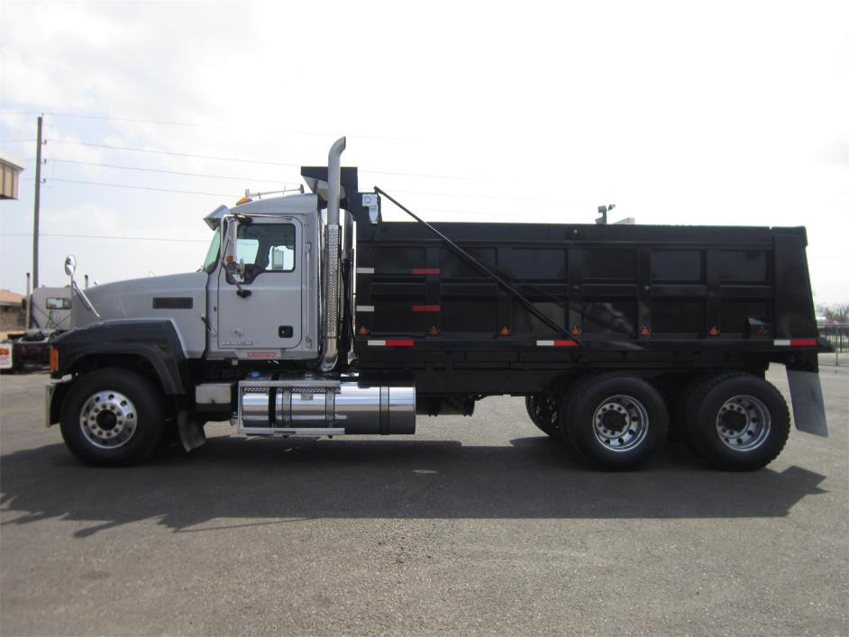 2011 Mack Ch613  Dump Truck