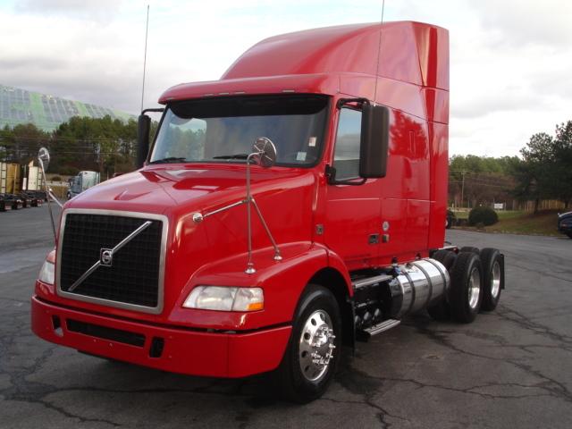 2012 Volvo Vnm64t-630 Conventional - Sleeper Truck