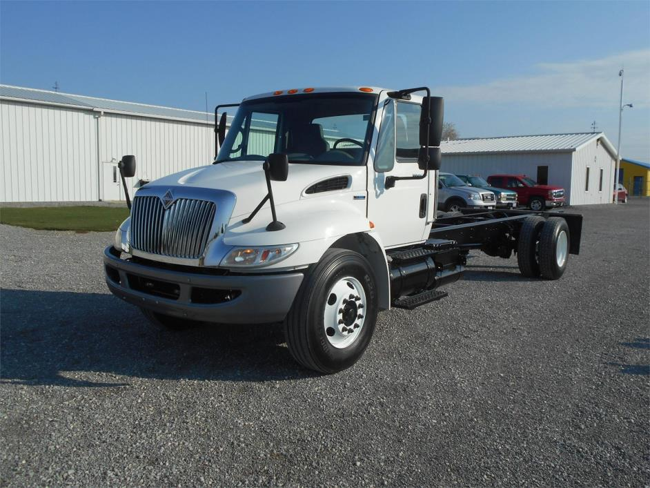 2009 International Durastar 4300 Cab Chassis
