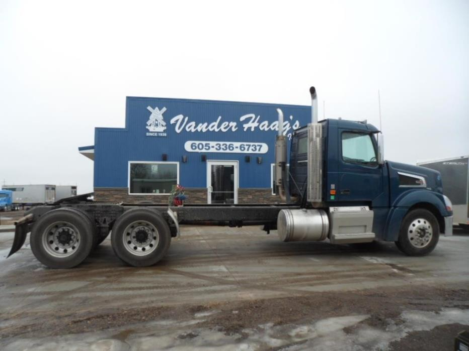 2007 Volvo Vt64t800  Conventional - Day Cab