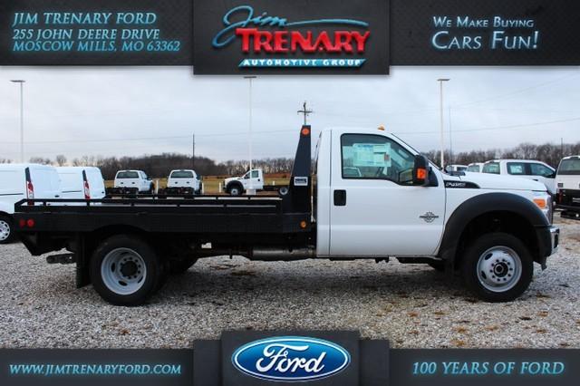 2016 Ford Super Duty F-450 Drw  Pickup Truck