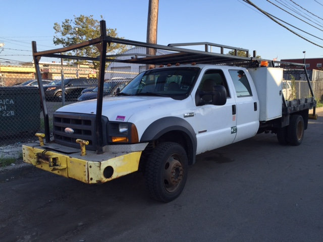 2005 Ford F-550 Crewcab Flatbed Toolbox Front Mounted Winch  Cab Chassis